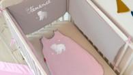 Le tour de lit personnalisé.