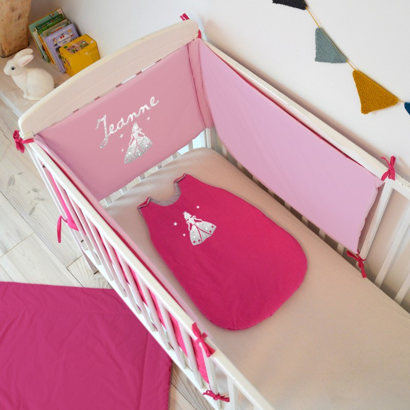 tour de lit personnalisé rose